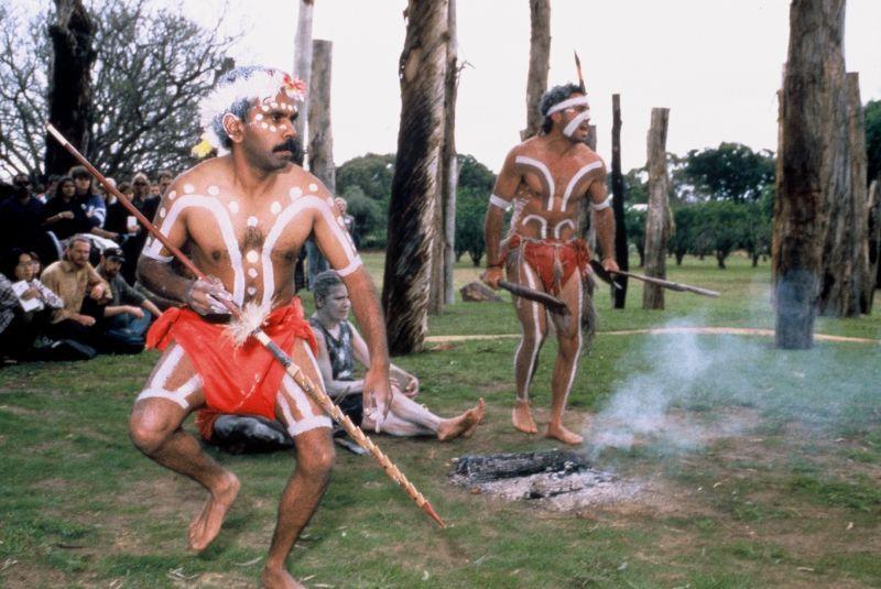 Tjirbruke Gateway: Kaurna Ceremony of purification and welcome.
