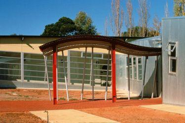 Swallowcliffe Schools: School entrance